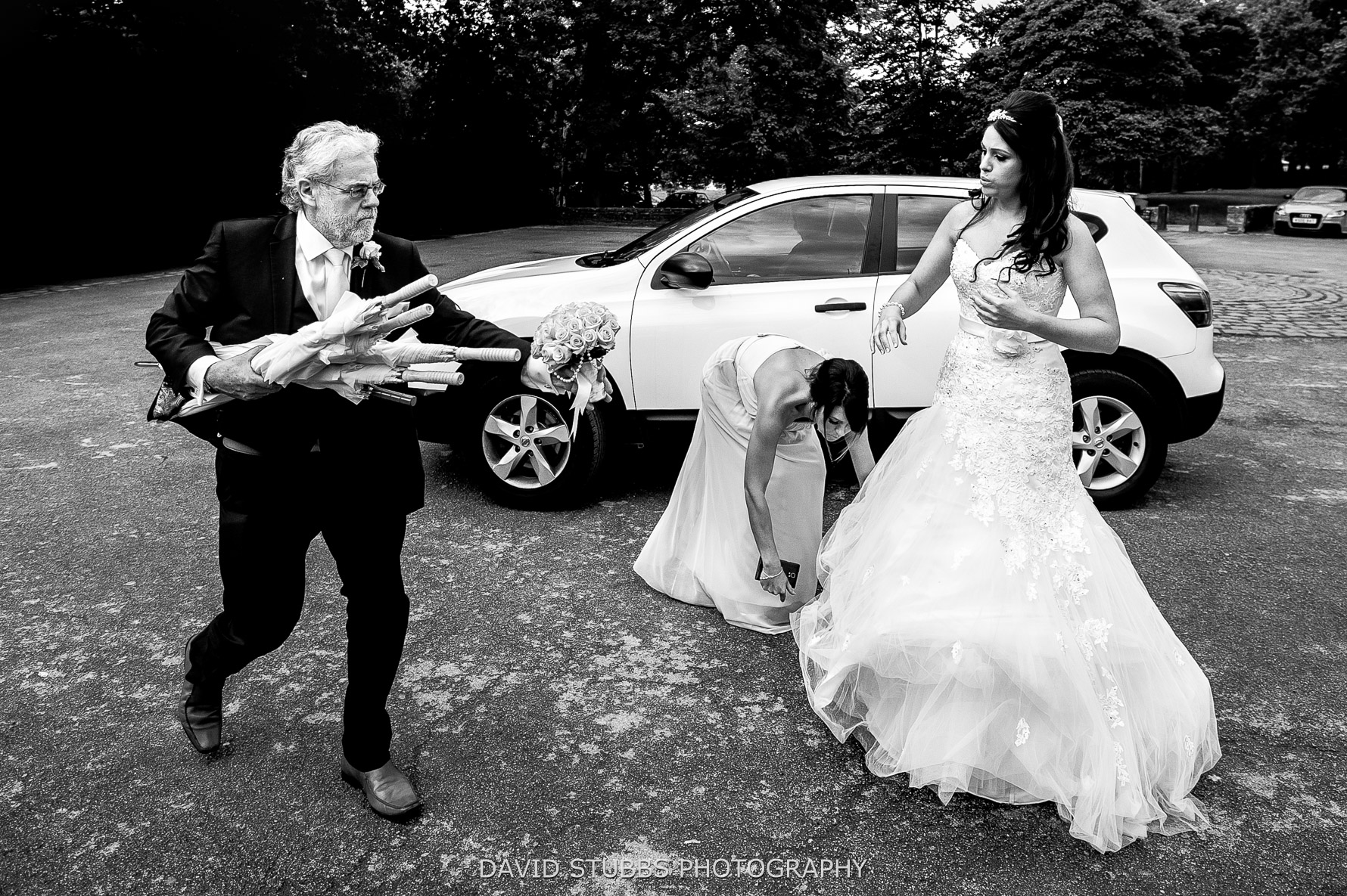 panic out of wedding car