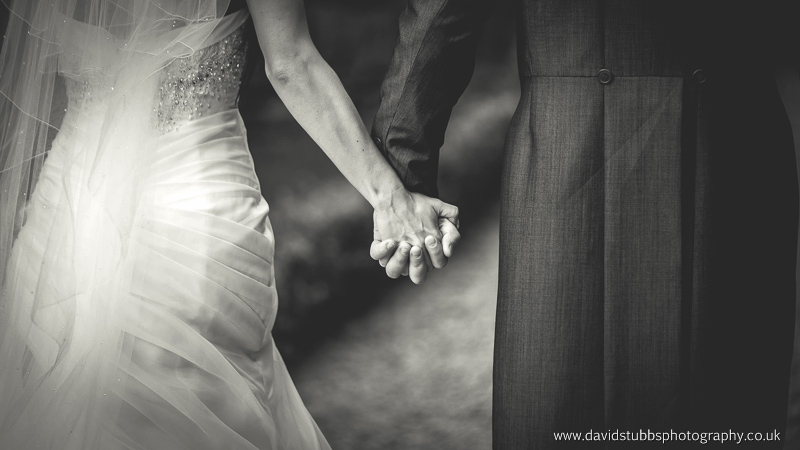 Saddleworth-hotel-wedding-photography-110a