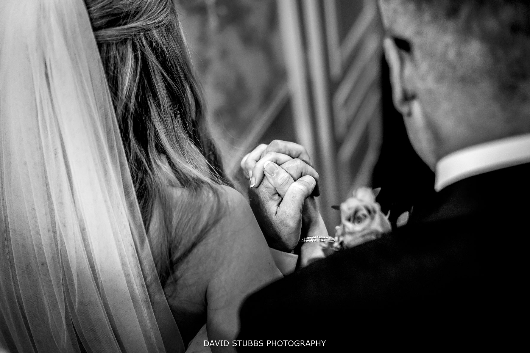 bride and dad emotional moment