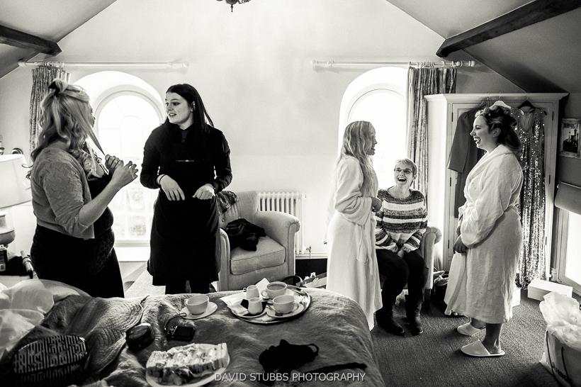 bridemaids preparing for ceremony
