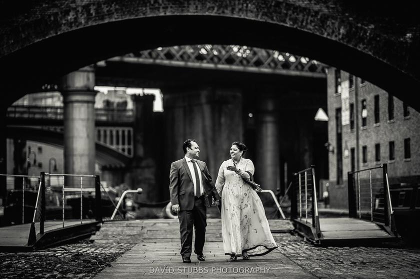 bride and groom in castlefield