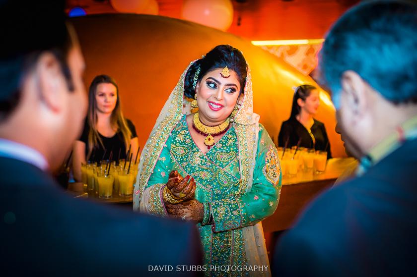 bride colour photo