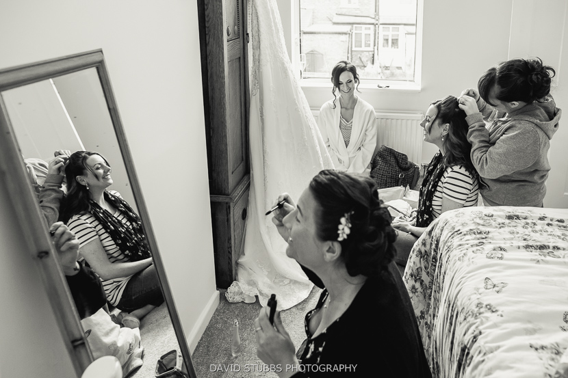 bride party getting ready