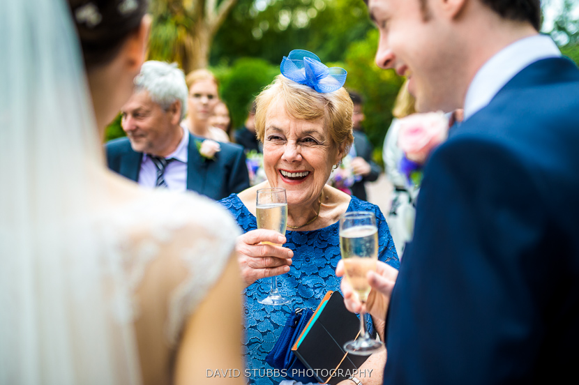 guests drinking champagne