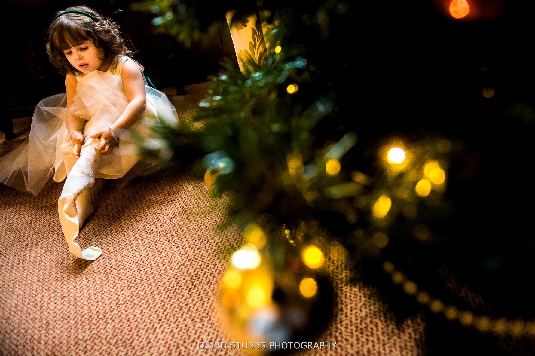 children under tree