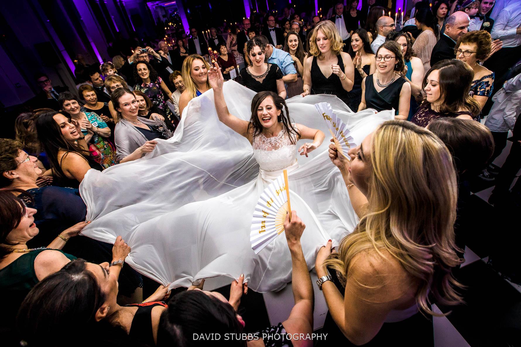 wedding photography at manchester's radisson blu edwardian