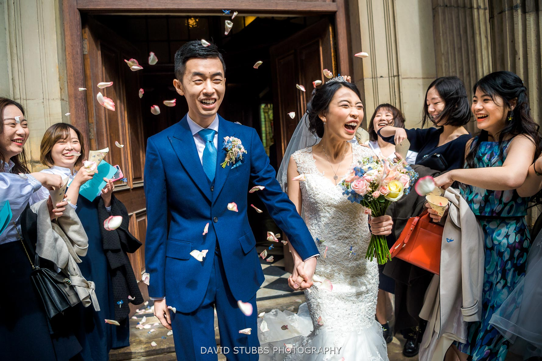 lots of confetti to celebrate their wedding