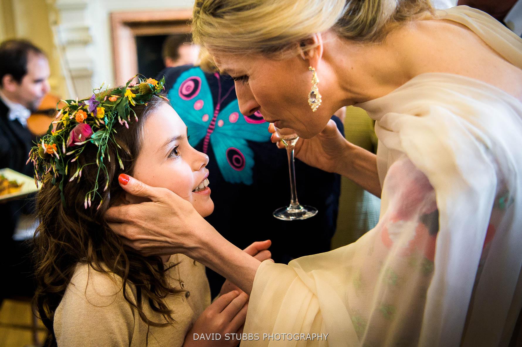 flower girl at the wedding