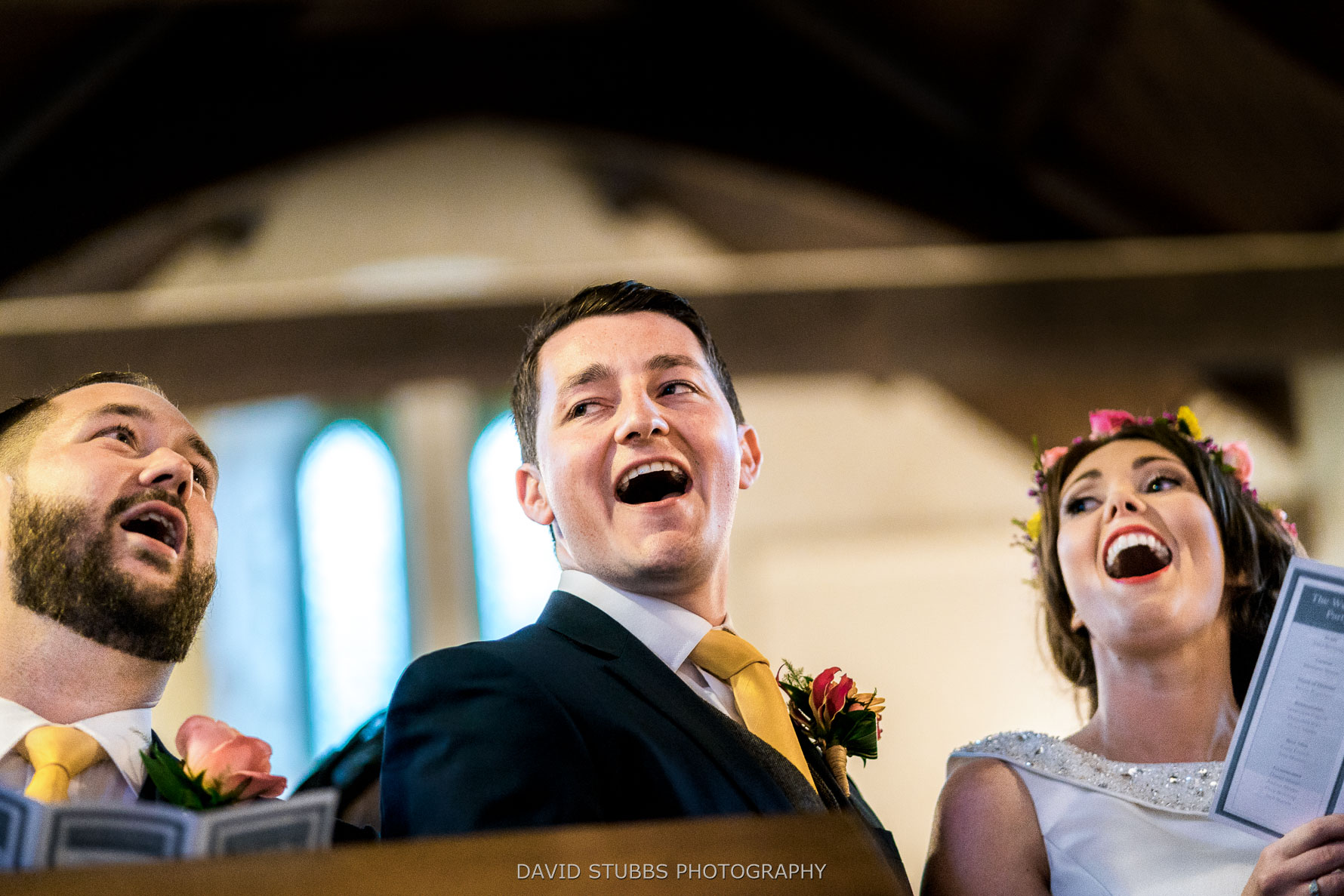 signing a hymn before vows
