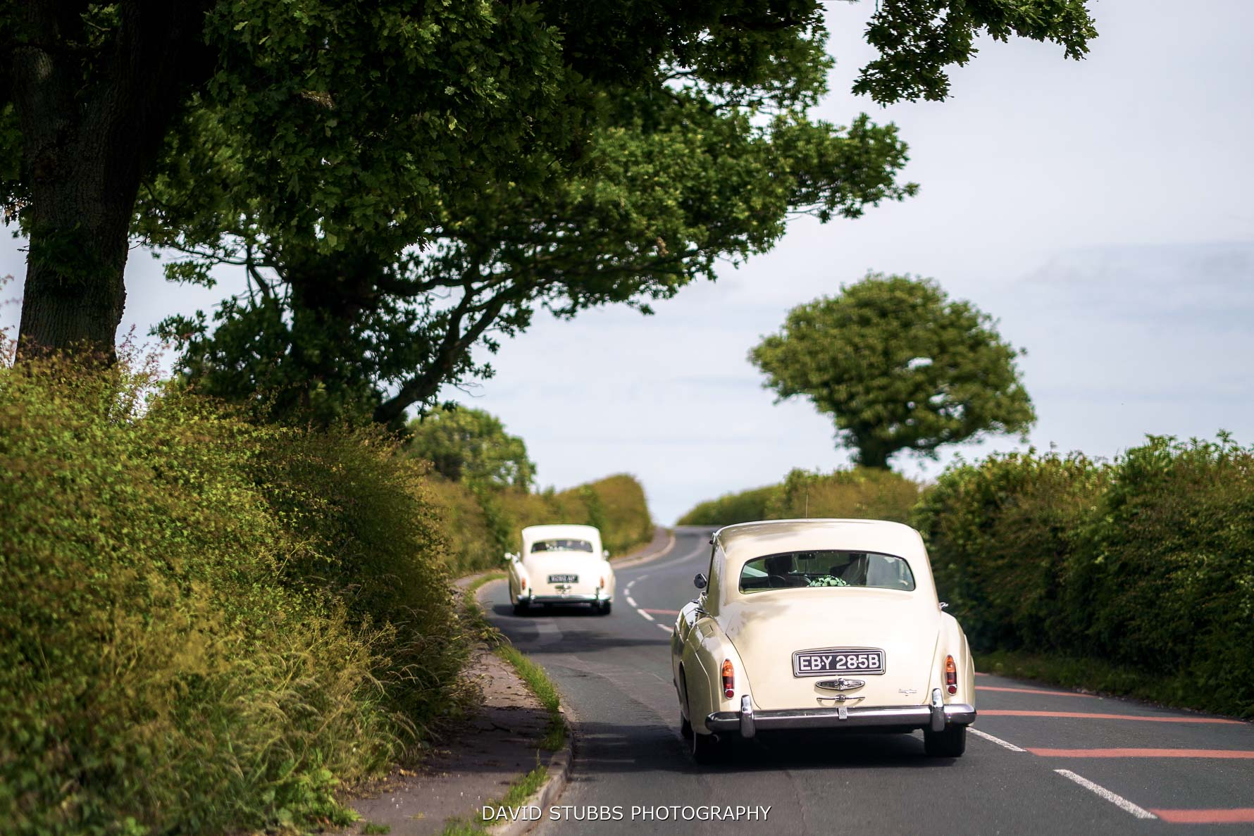 the wedding cars travelling to gibbon bridge