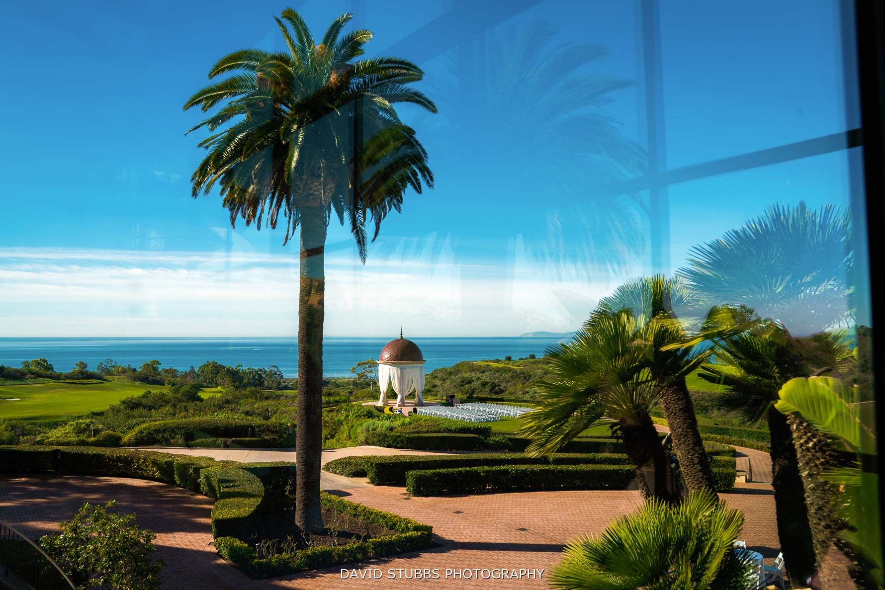 view of rotunda at pelican hill resort