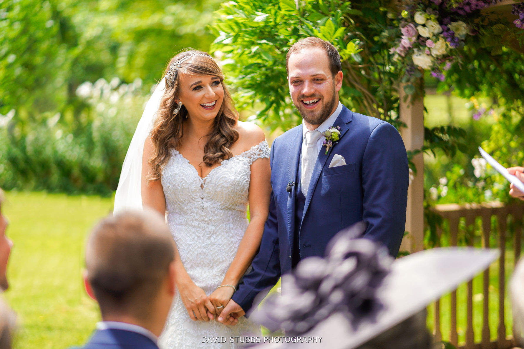 relaxed wedding moment