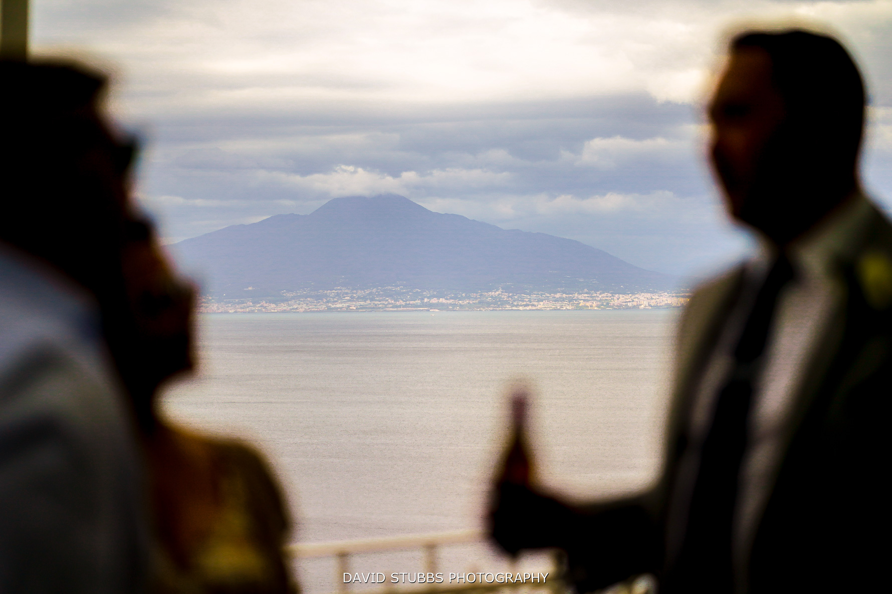 mt vesuvius in the background of wedding photo